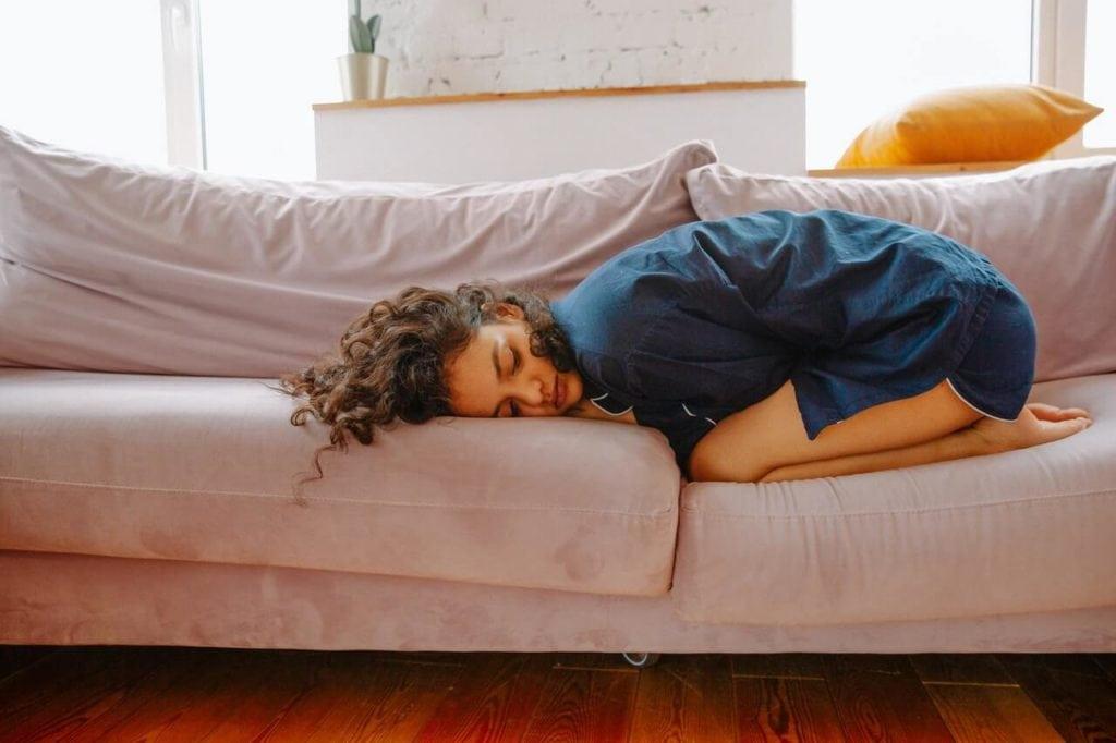 Woman having abdominal pain